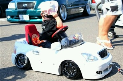 Custom Pedal Car wavechills:  Hella wat?