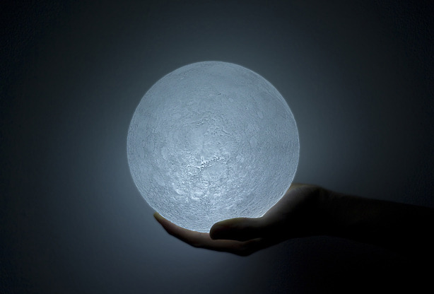 ianbrooks:  Goodnight, LED Moon by nosigner A topographically-accurate LED moon that fits in the palm of your hand, inspired by the Super Moon event that occurred on March 19th.    (via: spoon-tamago)  I want it.
