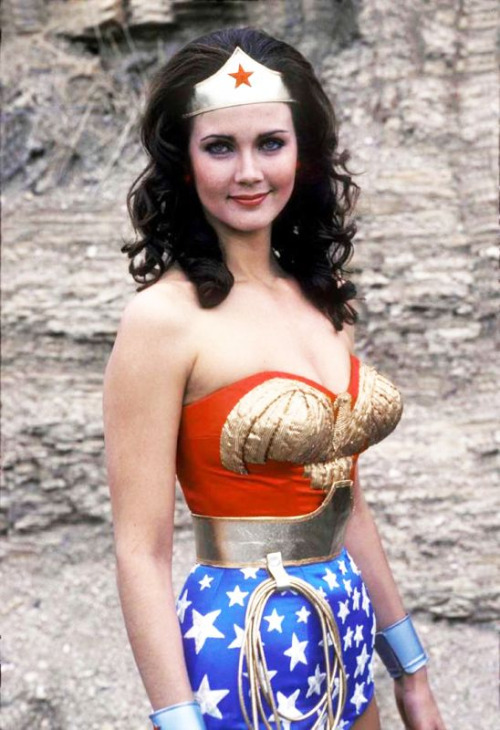 keaneoncomics:  Lynda Carter: the original & the best (Cathy Lee Crosby notwithstanding).