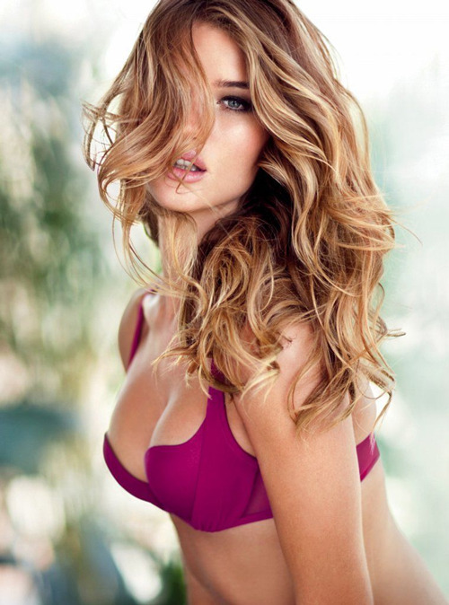 20 Sexy Models Turned Actors 1. Rosie Huntington-WhiteleyThe Model: Victoria's Secret snapped Rosie up in 2006, and she landed her first British Vogue cover just two years later in 2008.Acting Career: Michael Bay called Rosie in to replace Megan Fox when the latter was dropped from the director's third Transformers movie. Bay and Rosie had worked together previously on a Victoria's Secret advert. Transformers: Dark Of The Moon is her movie debut.More Than Set Dressing? It's safe to say her performance won't be troubling the Academy (hell, even Megan Fox won't be losing any sleep), but Bay's reason for casting her is clear from the way that his leering camera ogles her throughout.