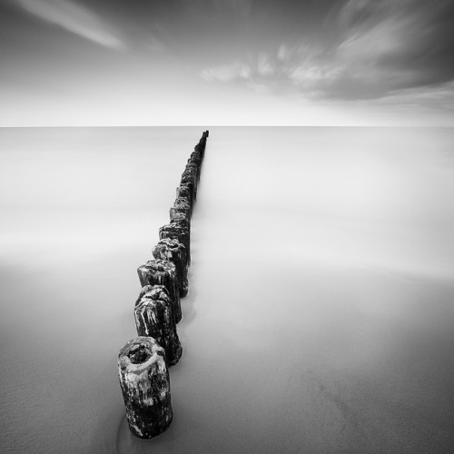 black-and-white:  breakwater | by sleephead