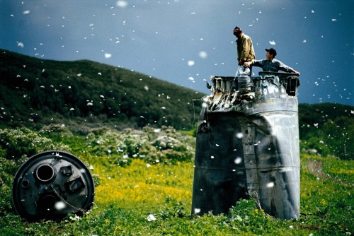 "Jonas Bendiksen: Satellites The Soviet collapse spawned 15 new countries that are now established members of the international community. However, economic, political and ethnic disparities also gave birth to a series of far less known unrecognized republics, national aspirations and legacies. ""Satellites"" is the culmination of Jonas Bendiksen's fascinating seven-year photographic journey through unrecognized countries, enclaves, and isolated communities on the periphery of the former Soviet Union. The itinerary goes through places such as Transdniester, a breakaway republic in Eastern Europe, Abkhazia, an unrecognized country on the Black Sea, the religiously conservative Ferghana Valley in Central Asia, the spacecraft crash zones between Russia and Kazakhstan, and the Jewish Autonomous Region of Far Eastern Russia. 15 years after the fall of the USSR, Bendiksen's haunting photographs and text explore these restless territories' search for historical, religious and ideological identity, and forms a timely look into unfinished chapters of Soviet history."