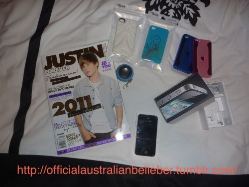 officialaustralianbelieber:  GIVEAWAY!!! This giveaway includes a 32GB IPHONE 4. 4 IPHONE 4 CASES (different colours & all hard cases) 1 Hamburger Speaker to plug into iPhone 4 or any music device. 1 Justin Forever Magazine 2011 Edition. iPhone includes charger and headphones Giving away iphone and the rest because i am getting a new phone as i don't like the iPhone anymore. Im getting sick of it. Nothing wrong with the phone or cases perfectly fine! All you have to do if REBLOG AND FOLLOW -> http://officialaustralianbelieber.tumblr.com/ http://officialaustralianbelieber.tumblr.com/ http://officialaustralianbelieber.tumblr.com/ I WILL SHIP TO ANYWHERE WORLDWIDE :) IF U HAVE ANY QUESTIONS FEEL FREE TO ASK <3 Love Chanel :D GOODLUCK !! There is no limit of reblogs :D COMPETITION ENDS 1 MONTH FROM THIS DATE (30-6-11) SO THE COMP ENDS ON THE 30-7-11 !!