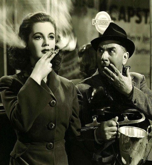 Pamela Devis & Jerry Verno in The Perfect Woman (1949, dir. Bernard Knowles)