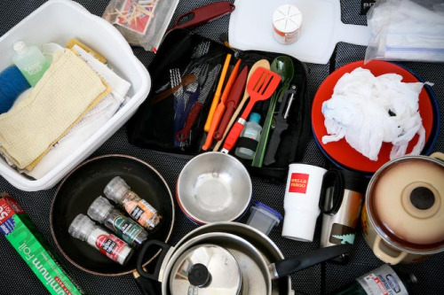 How to assemble your own mobile camping kitchen supply list! The list is pretty comprehensive, and you can pick & choose depending on what suits your fancy. There's also a free printable checklist.
