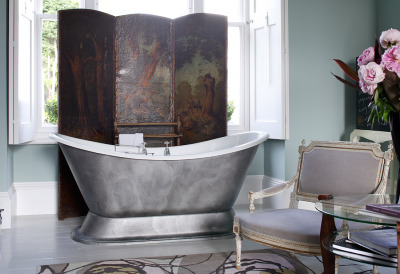 Luxurious bathtub! http://thepapermulberry.blogspot.com/2011/06/romantic-feminine-bathrooms.html