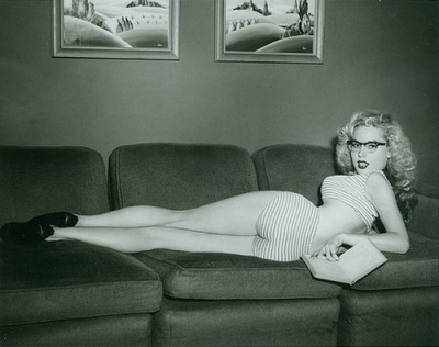 theniftyfifties:  Pin up girl Betty Brosmer.