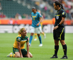 fuckyeahwomensfootball:  Referee Jenny Palmqvist from Sweden (R) talks to Australia's striker Lisa de Vanna during the group D football match of the FIFA women's football World Cup Brazil vs Australia on June 29, 2011 at the Stadion im Borussen-Park in Moenchengladbach, western Germany. Brazil won 1-0. AFP PHOTO / PATRIK STOLLARZ (via World Soccer - Photo Gallery - Yahoo! Sports)