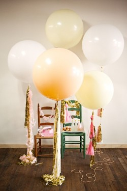 (via Twig & Thistle » Geronimo!)  Fact: I love balloons.