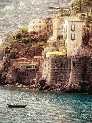 rockdaworld:  Amalfi Coast, Italy. breathtaking!