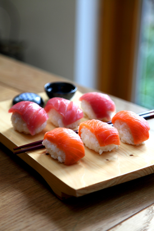 Salmon and Tuna Nigiri  come into my belly, NOW