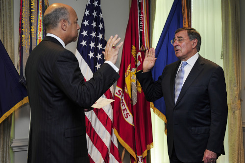 PHOTO OF THE DAY: Leon Panetta takes the oath of office as the 23rd U.S. Secretary of Defense during a Pentagon ceremony on Friday. Department of Defense General Counsel Jeh Johnson administered the oath in the secretary's office. (PHOTO: TECH SGT. JACOB BAILEY (USAF)/DOD HANDOUT)
