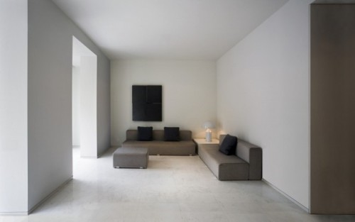 simplypi:  Fran Silvestre Arquitectos | Apartment in El Carmen (Casa en El Carmen)  That is very minimalist living room