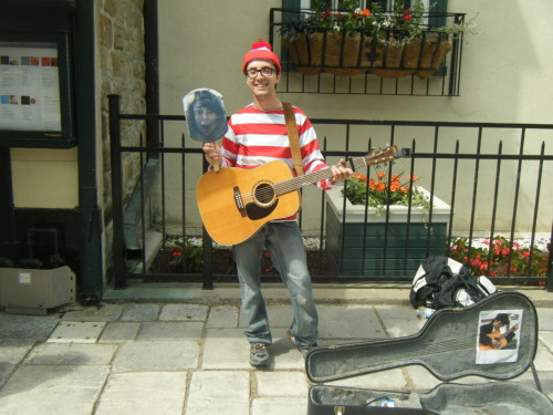 homelesstrolley:  RANDI AND WALDO  Oh Quebec City.