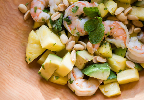 lovelylovelyfood:  Asian Shrimp, Pineapple, Avocado, and Peanut Salad