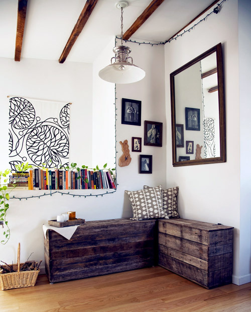 (via before & after: pallet bench and serving tray | Design*Sponge)