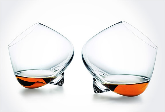 ghostsandgrizzlys:  (via COGNAC GLASSES | BY NORMANN COPENHAGEN)