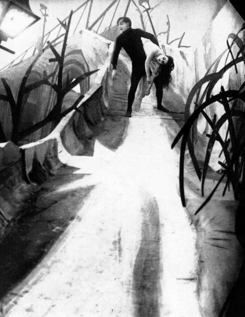 "Conrad Veidt & Lil Dagover in The Cabinet of Dr. Caligari (1920, dir. Robert Wiene) ""The scenes in the steep, dark, crooked alleyways belonged to him. Even when he was not in front of the camera, he would prowl around the studio and startle us."" -Lil Dagover on Veidt (via)"