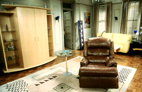 Friends: Chandler and Joey's apartment with Rosita