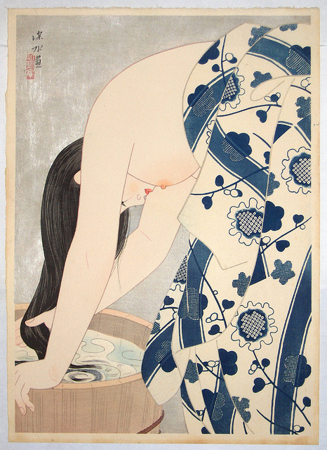 midcenturyblog:  Itō Shinsui - Washing The Hair [1953] by Gandalf's Gallery on Flickr. Via Flickr:Washing the Hair was published in 1953 to celebrate the artist being made an Intangible Cultural Property in 1952. Shinsui (Fukagawa, Tokyo, February 4, 1898 - May 8, 1972) supervised the printing and a mica ground was used, the usual symbol of a special edition. The figure closely follows the right-hand figure on his painted two-fold screen called Tresses , published in 1949.[Woodblock print, 49.3 x 35 cm]gandalfsgallery.blogspot.com/2011/07/ito-shinsui-washing-…