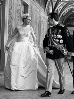 Princess Grace Weds Prince Ranier in a Helen Rose Gown #Fashion #RoyalWedding