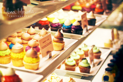 Cupcakes by Sweet by Lena Mirisola on Flickr.cupcakes!