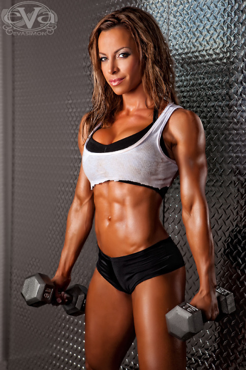 onthevergeoforinary:  Ava Cowen.  A great example of strength and sexiness