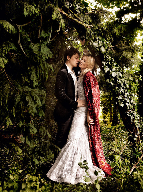 bohemea:Kate Moss & Jamie Hince: Kiss Me, Kate - Vogue by Mario Testino, September 2011