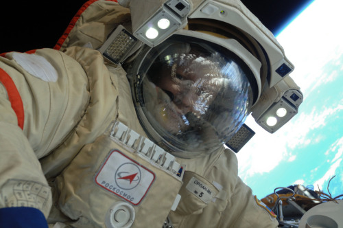fyeahcosmonauts:  Dmitri Kondratyev out on a spacewalk from the ISS (2011)