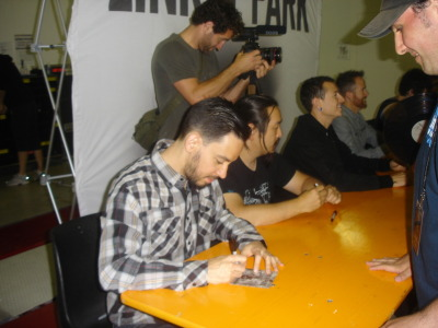 I'm thinking to the M&G with Linkin Park i did last Sunday, in Italy..I was very excited to meet Mike Shinoda, Chester Bennington and all the band. This is a photo of that day :)