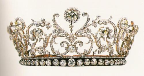 wingsforlashes:  thestars-themoon: The Grand Duchess Vladimir's Tiara, c. 1870