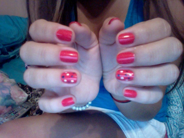 Happy 4th of July! I added some white and navy polka dots to my coral nails!