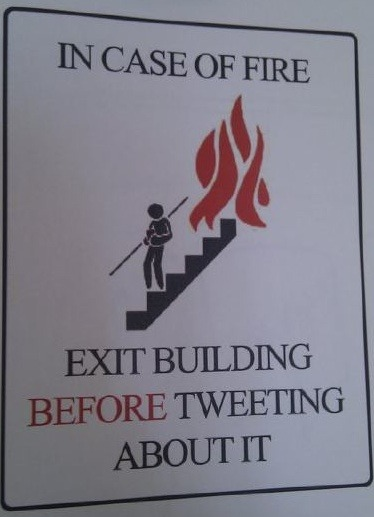 erinonthemoon:  zombiesonparade:  Urgent Reminder For all Tweeters.  This is a legitimate concern.  Excellent advice.