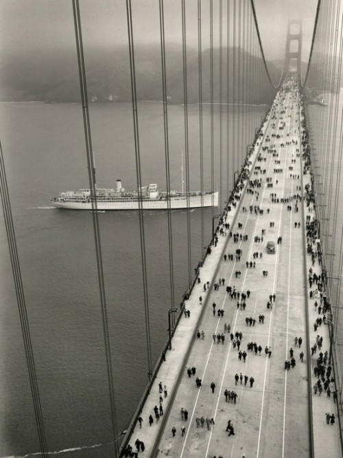 golden gate bridge circa 1937