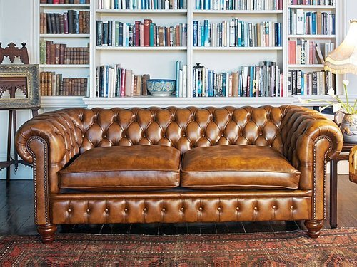 fecastleberry:  The perfect tufted leather couch.