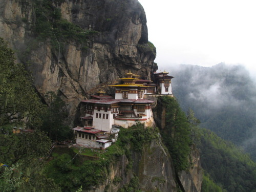 "Paro Taktsang, ""The Tiger's Nest"", Bhutan  Damn, I love this. I want to be in a place like this and lose all sense of time."