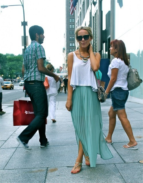Long pleated skirt + tank top