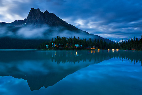 ruineshumaines:   Emerald Lake in Blue (by ~ Floydian ~)
