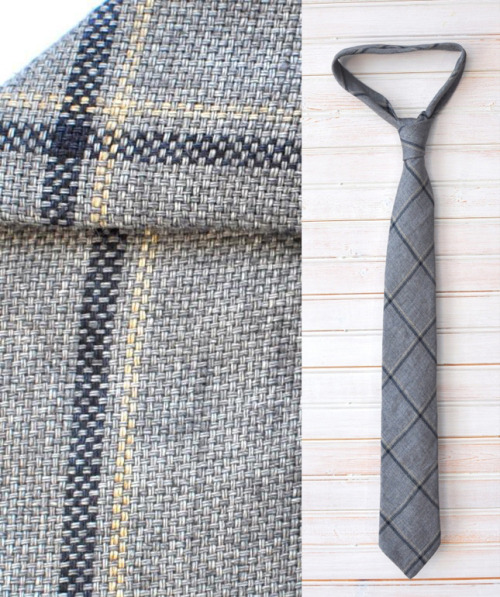 Pierrepont Hicks Wallace Tie in 100% Italian Linen [Designed in Minnesota.  Made in New York.]
