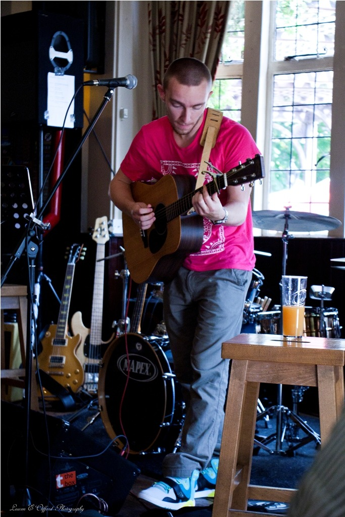 laurencliffordphotography:  Rob MacAllister The Woolpack, Hertford on 3rd July 2011 The Musical Mystery Tour  Thanks Lauren. They all look great :)