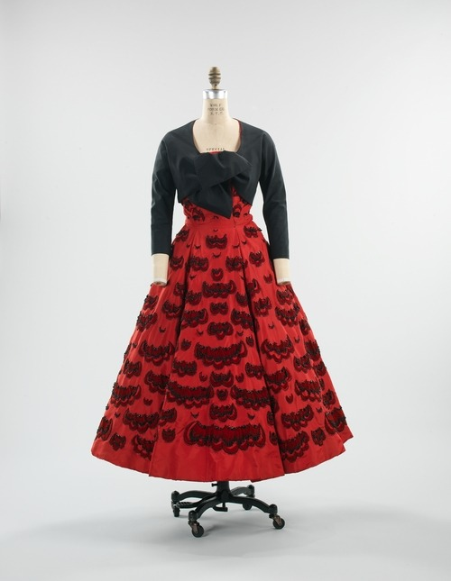 omgthatdress:  Christian Dior dress ca. 1952 via The Costume Institute of the Metropolitan Museum of Art