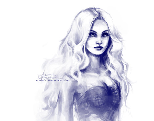 Finished up a sketch of the Mother of Dragons as I imagine her. :)