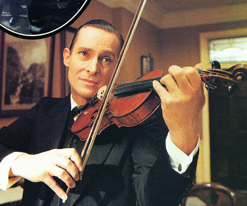 jeyradan:  brothermycroft:  One of my favourite Jeremy Brett photographs, if not my favourite.  How do you not reblog this?  My favourite Sherlock, ngl. (sorry Benedict, though you are awesome)
