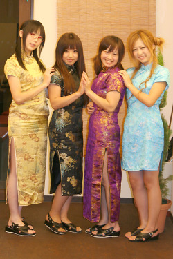 Maple Leaf/メイプルリーフ Cafe~ China Day event; Maids wore Qipao uniforms!
