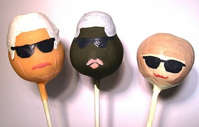WHO WANTS TO EAT ANNA WINTOUR?What is a cake pop? Quite simply a bite sized morsels of cake coated in chocolate and popped onto a lolly pop stick! You can find these little yummy treats at Molly bakes at selfridges with amazing designs from Love hearts to Katy perry donning a blue one piece. We hear little miss Eliza Doolittle is a big fan  I wonder what celeb she's eating??