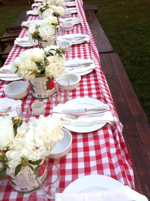 Set your table in such a way that will have your guests talking for days after about it!