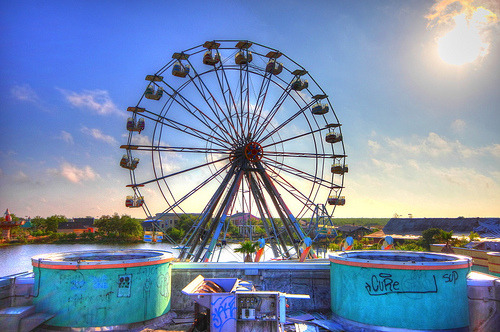 Inside the Six Flags amusement park in New Orleans, abandoned after Hurricane Katrina (by FLLETCHER)