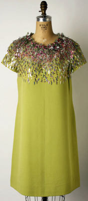 omgthatdress:  Marc Bohan for Dior dress ca. 1966 via The Costume Institute of the Metropolitan Museum of Art  I WOULD WEAR THE SHIT OUT OF THIS DRESS.