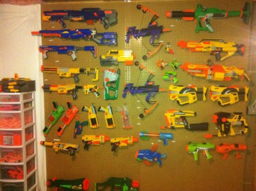 the-absolute-funniest-posts:  darrynek: u know i'm strapped up