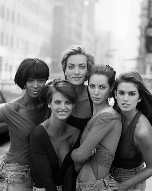 I wanna be an uber model…. Naomi  Campbell, Linda Evangelista, Tatjana Patitz, Christy Turlington and  Cindy Crawford by Peter Lindbergh for British Vogue January 1990…a favourite shot of the original superstars of the catwalk.